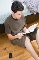 rsz_teen-reading
